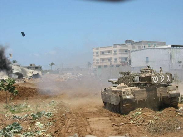 """Танк израильской армии обстрелял позиции """"ХАМАС"""" в Газе"""