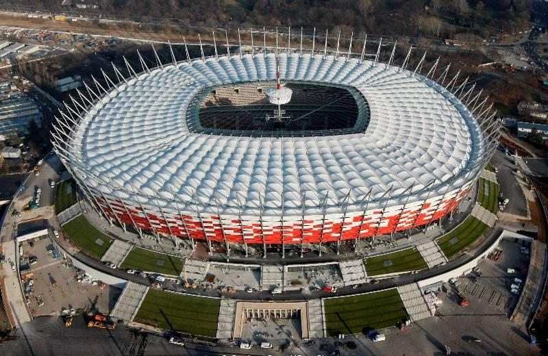 На варшавском стадионе сымитировали войну против России