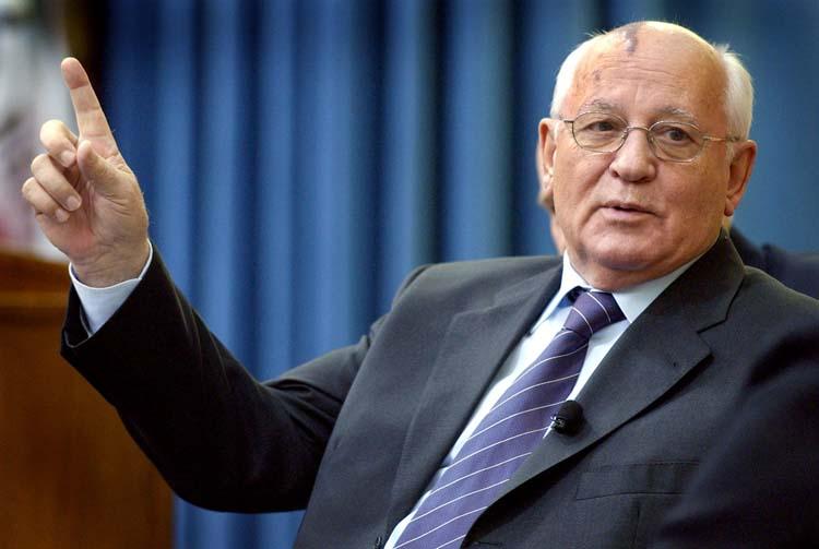 Как Горбачева обвели вокруг пальца: рассказ Бурбулиса и Авена