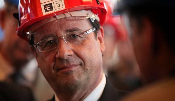 """Олланд призвал европейцев """"жёстко ответить"""" президенту США"""