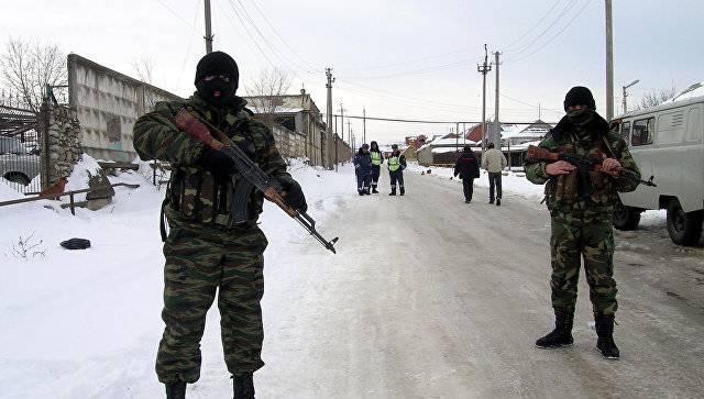 В Хасавюрте штурмуют дом с террористами