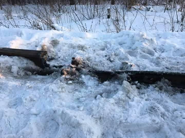Украинские радикалы взорвали железнодорожные пути на луганском направлении