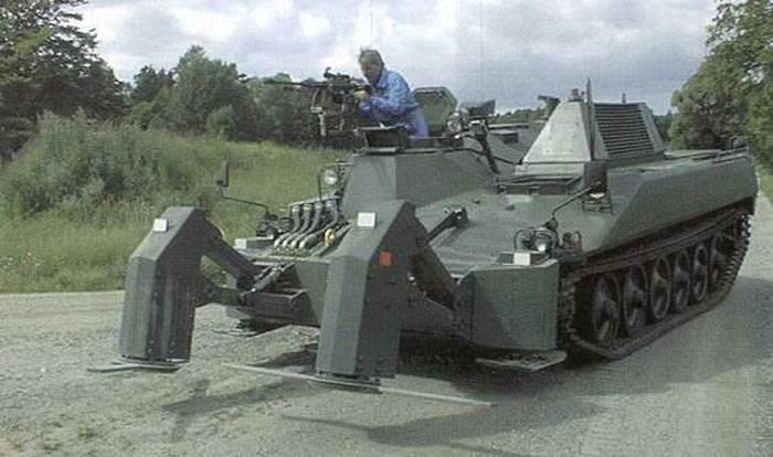 Проект бронированной машины разминирования на базе танка Ikv 91 (Швеция)
