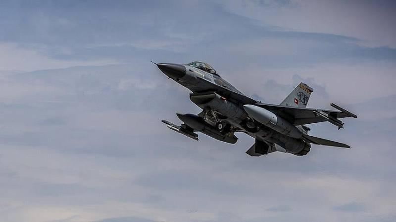 Анкара заявляет об успехах турецких ВВС против ИГИЛ на севере Сирии