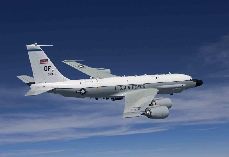 Самолёты США и Швеции провели разведку в районе Калининграда