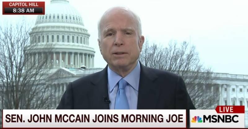 Говорит и показывает Маккейн