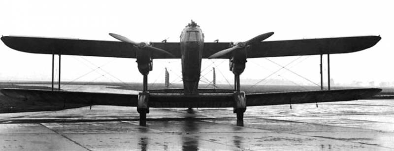 Тяжёлый бомбардировщик-биплан Handley Page H.P.50 «Heyford»
