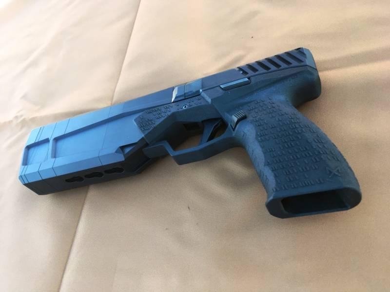 В США началось производство пистолета со встроенным глушителем