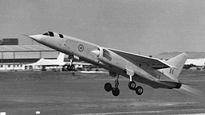 Экспериментальный тактический бомбардировщик BAC TSR.2