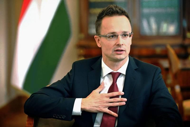 Венгрия против украинизации Украины