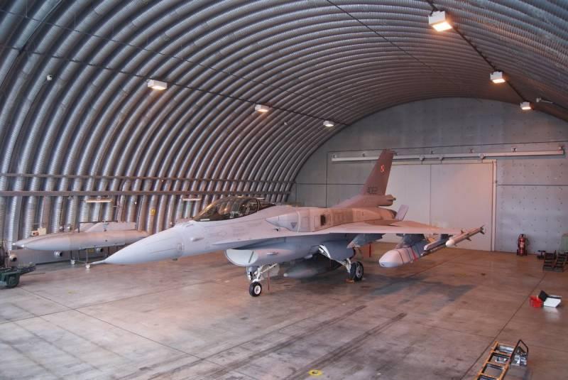 Минобороны Польши получило первую партию крылатых ракет JASSM