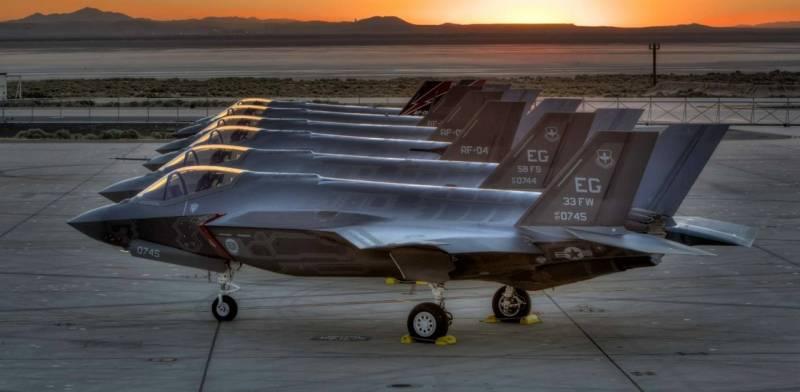 США завершили переброску десяти F-35B на авиабазу в Японии