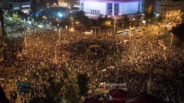 Многотысячные акции протеста в Бухаресте