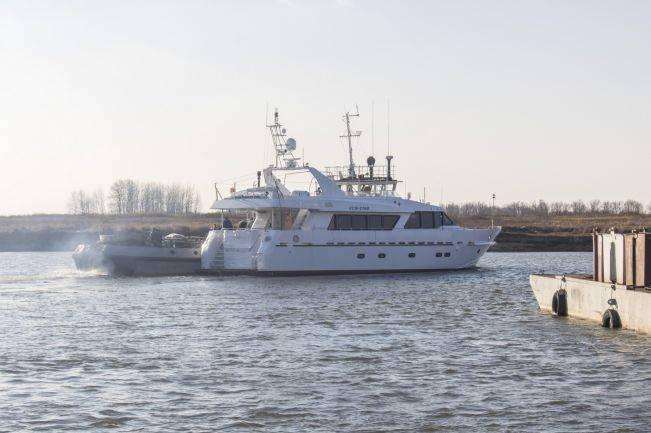 ВМФ РФ передан катер связи проекта 21270