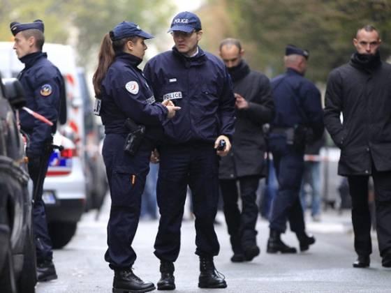 У французских солдат, обедавших в «Макдоналдс», украли оружие