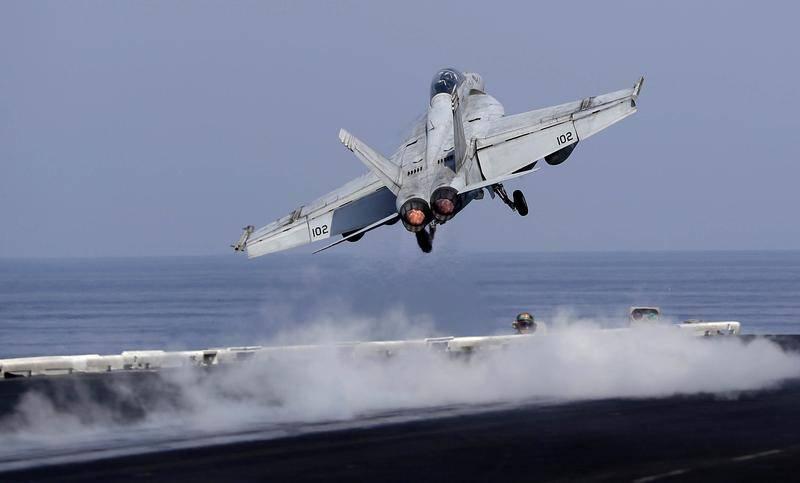 Более половины парка Морской авиации США не готова к выполнению боевых задач