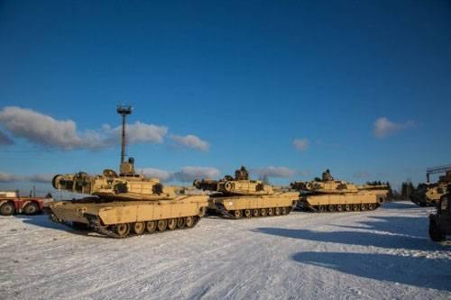 """Эстонские и американские военнослужащие осуществляют """"марш"""" вдоль границы с РФ"""