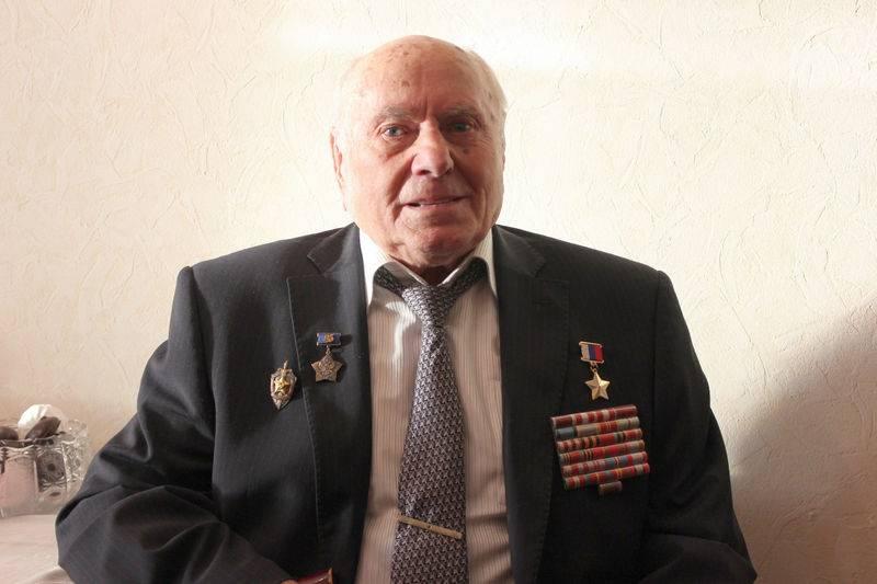 Легендарному разведчику Алексею Ботяну исполнилось 100 лет