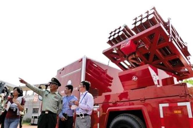 Пекинских пожарных «вооружили» установками залпового огня