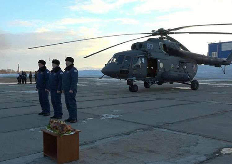 На авиабазу ТОФ прибыл арктический вертолёт Ми-8АМТШ-ВА
