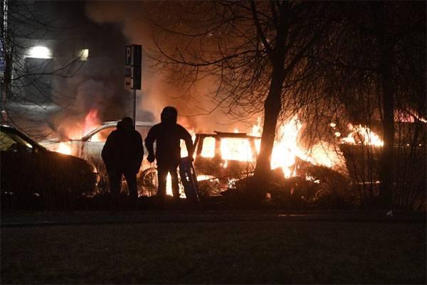 Massenaufstände in den Vororten von Stockholm