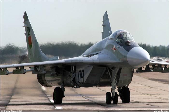 В Беларуси при взлёте загорелся МиГ-29