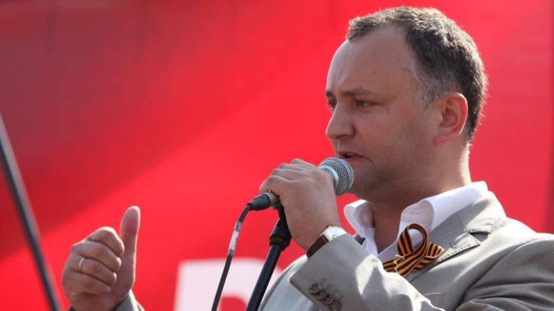 O presidente da Moldávia exigiu que os embaixadores dos Estados Unidos e da Roménia recusassem moralizar