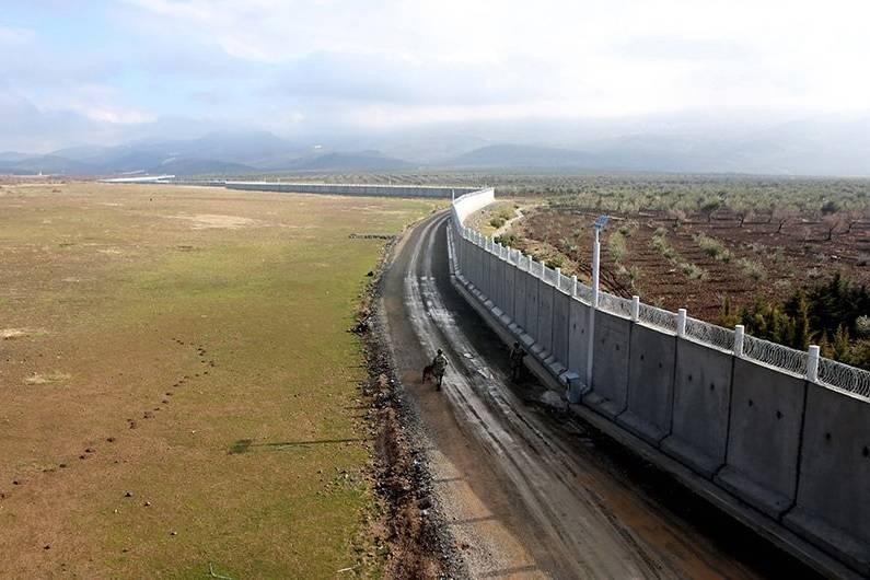 Турция близка к завершению строительства стены на границе с Сирией