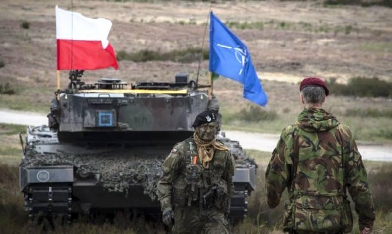 Лавров назвал действия НАТО у российских границ провокационными