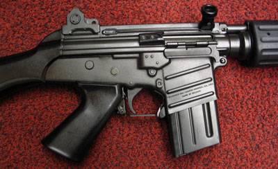Короткая очередь FN CAL