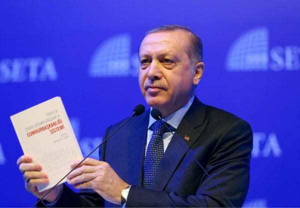 Erdogan ha affermato la necessità di giudicare la Merkel per aver aiutato il terrorismo