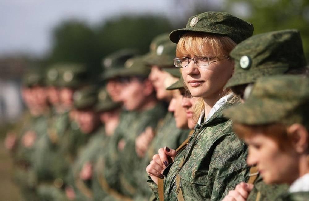 Картинки по запросу Женщины военнослужащие советской и российской Армий