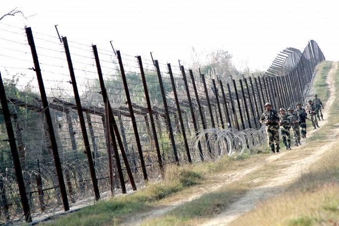 Латвия намерена строить стену на границе с Белоруссией