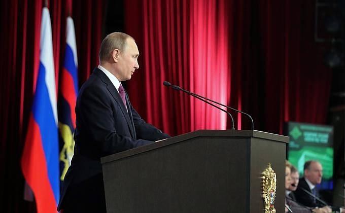 Владимир Путин снял с должностей 10 генералов