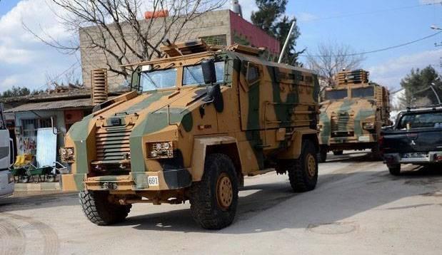 Турецкие войска нанесли удар по сирийским пограничникам в районе Манбиджа
