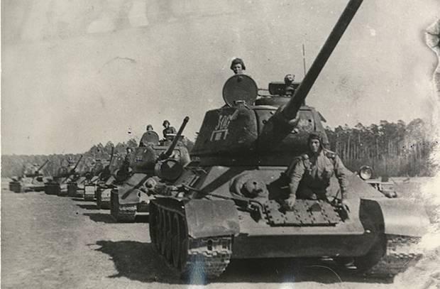 Come gli Urali hanno creato un corpo armato che sconfigge i nazisti da Kursk a Praga