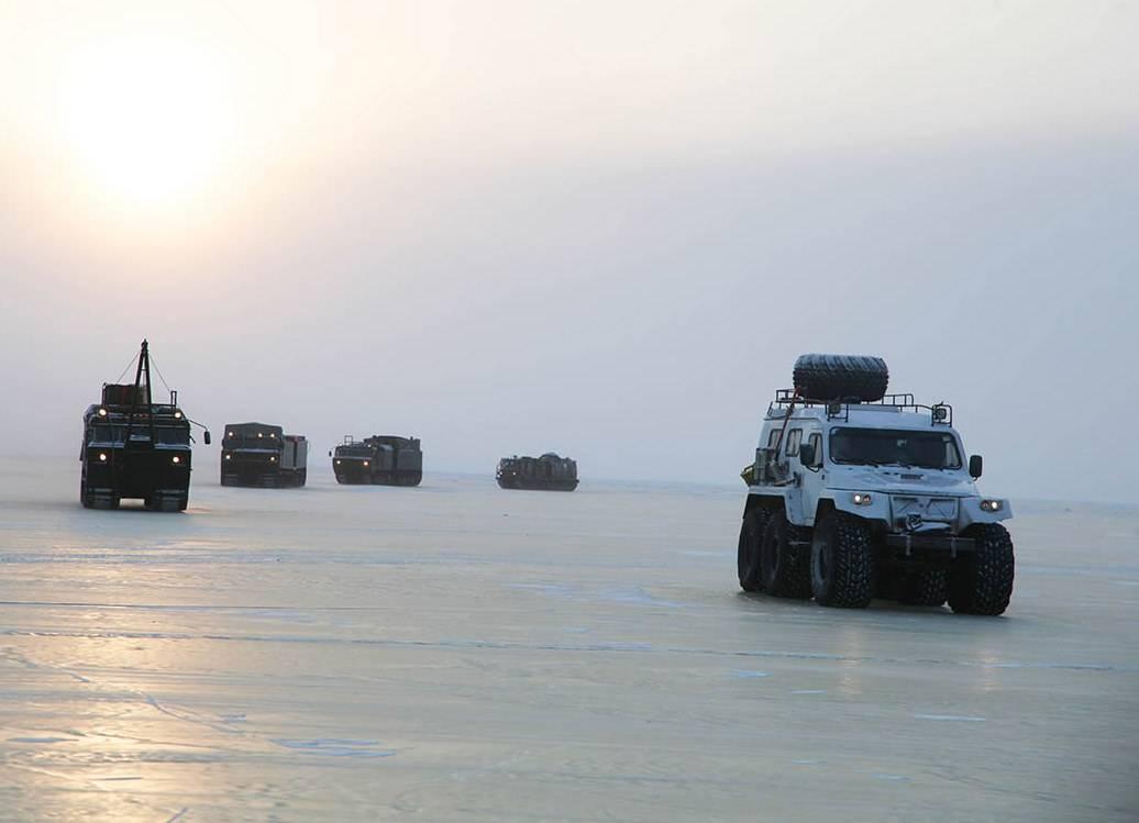 Экспедиция МинобороныРФ впервый раз прошла наспецтехнике отматерика доострова Котельный