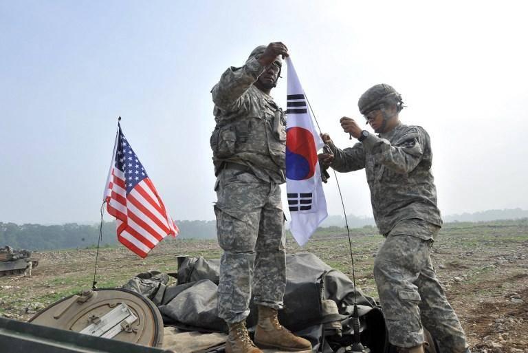 Manobras americanas e sul-coreanas em larga escala