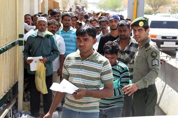 Девять миллионов в «кафале». Решит ли Эр-Рияд проблему мигрантов?