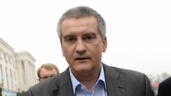 С.Аксёнов высказался за переход России от республики к монархии