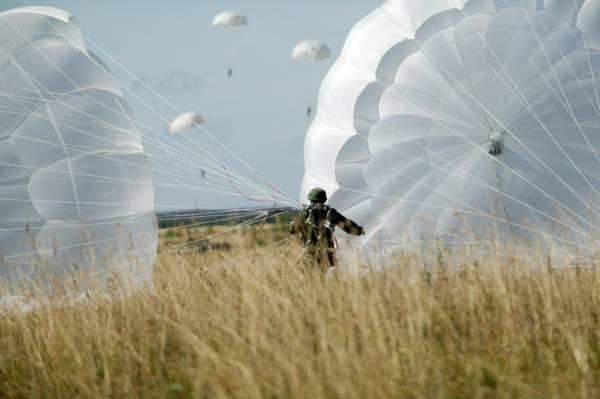 """ОКР """"Шелест"""" по созданию парашютной системы Д-14 начнутся в 2018 году"""