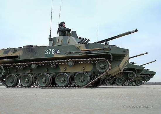 Tres juegos de batallones BMD-4M y más 60 BTR-MDM Rakushka recibirán tropas aerotransportadas este año
