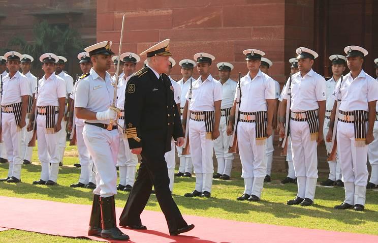 Comandante in capo della Marina russa per discutere di esercitazioni congiunte con colleghi indiani