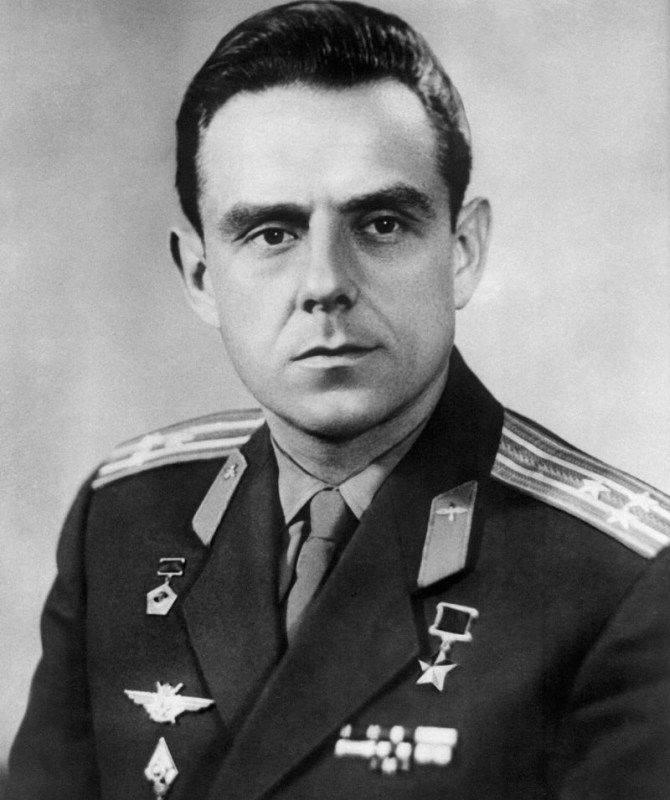 Piloto espacial soviético, duas vezes herói da União Soviética, Vladimir Mikhailovich Komarov