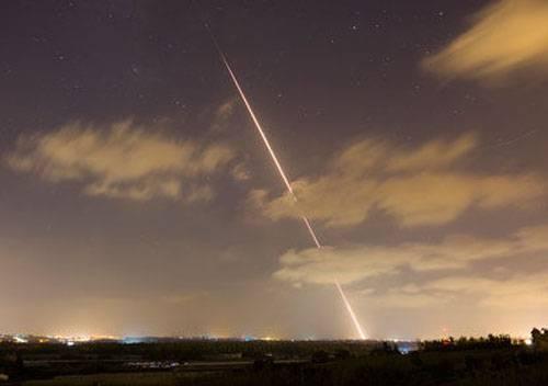 Ataque aéreo da Força Aérea de Israel foi uma resposta ao ataque de foguetes do Hamas