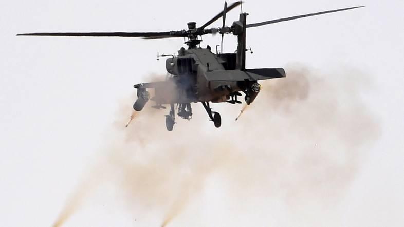 ВЙемене вертолет Apache разнес судно сбеженцами иубил 31 человека