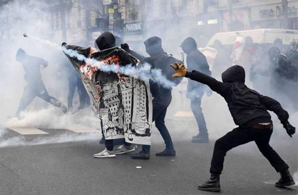 Массовые беспорядки в Париже