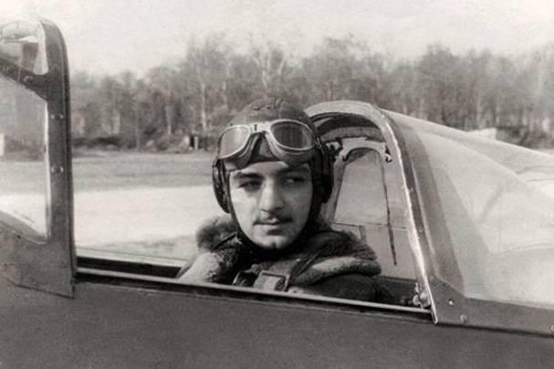 Летчик Степан Микоян скончался ввозрасте 94 лет