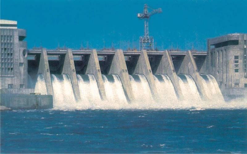 Inondazioni minaccia Siria e Iraq: la diga di Eufrate parzialmente distrutta