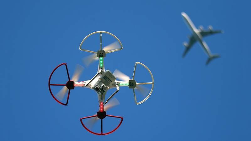 Мини-дроны будут отлавливать сетями